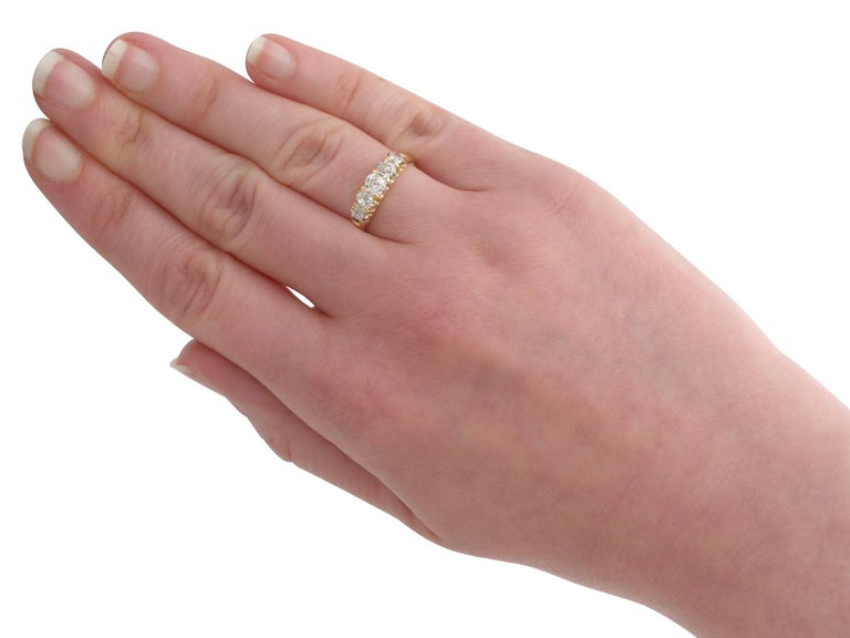 Antique 1900s Diamond and Yellow Gold Five-Stone Ring For Sale 1