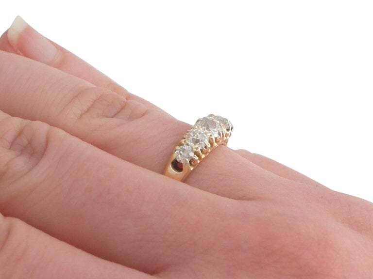 Antique 1900s Diamond and Yellow Gold Five-Stone Ring For Sale 2
