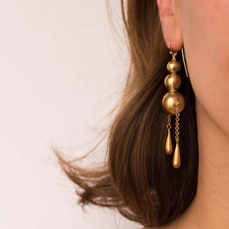 1900s Italian Pearls Drops of Gold Dangle Earrings For Sale 1