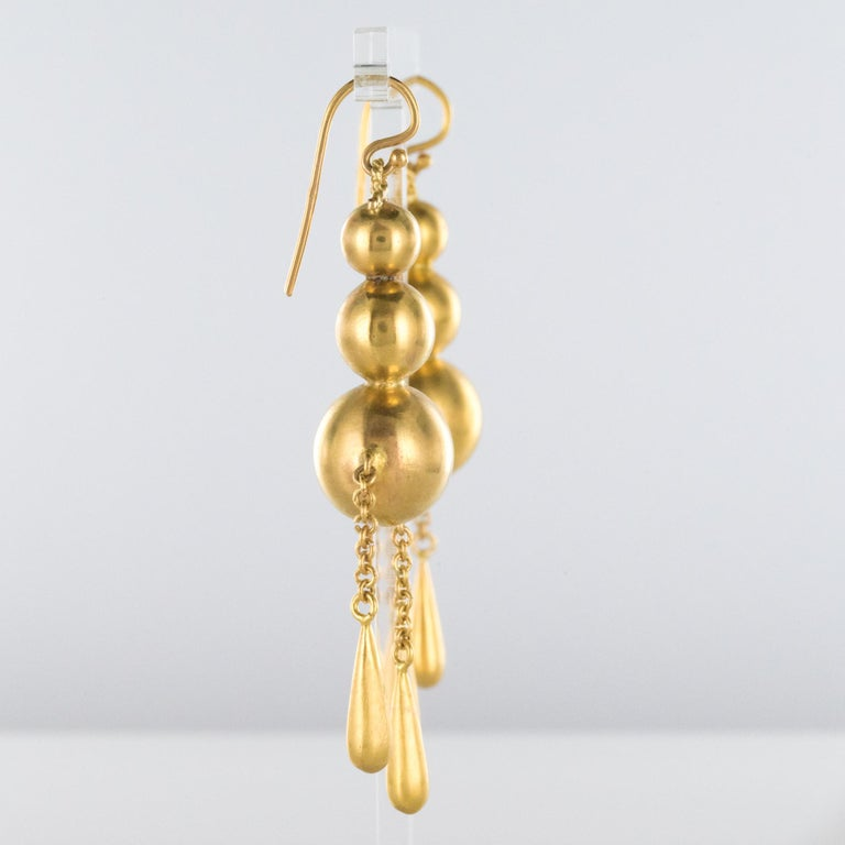 1900s Italian Pearls Drops of Gold Dangle Earrings For Sale 2