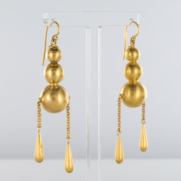 1900s Italian Pearls Drops of Gold Dangle Earrings For Sale 3