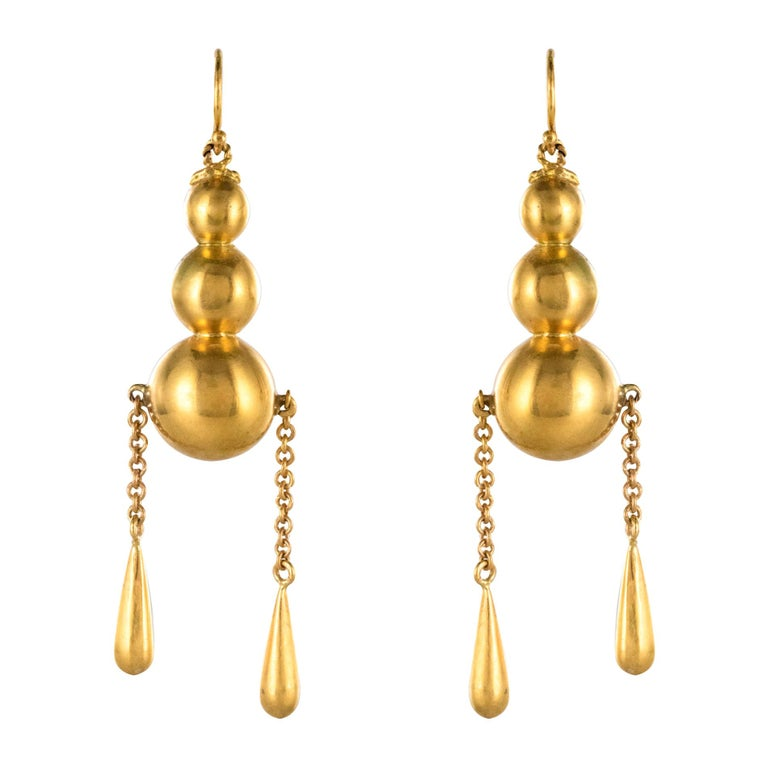 1900s Italian Pearls Drops of Gold Dangle Earrings For Sale