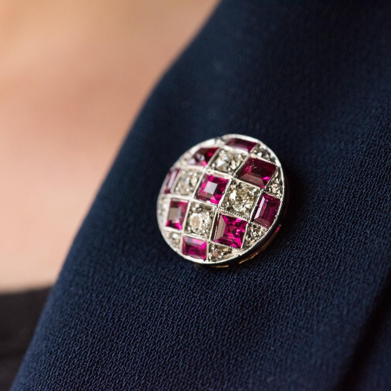 1900s Ruby Diamond Yellow Gold Jabot Pin In Good Condition For Sale In Poitiers, FR