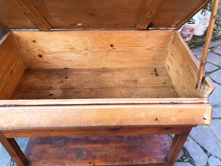 1900s Sideboard in Original Antique Tuscan Fir, with Opening Door For Sale 1