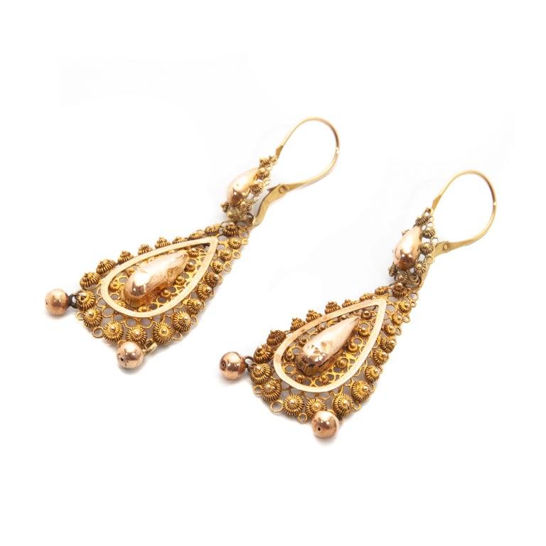 Women's Victorian Filigree 14 Karat Yellow Gold Dangle Earrings For Sale