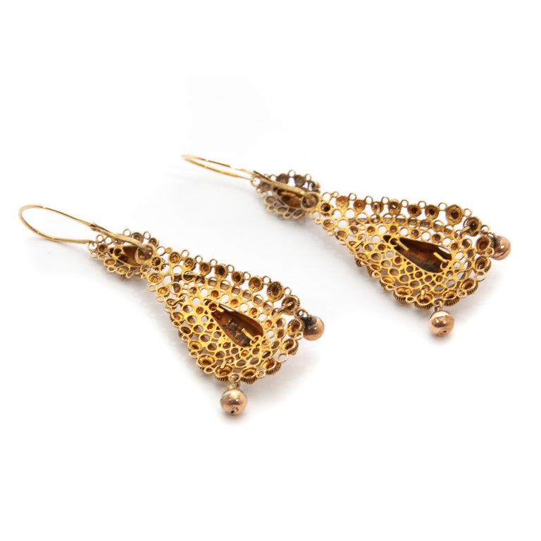 Victorian Filigree 14 Karat Yellow Gold Dangle Earrings For Sale 3