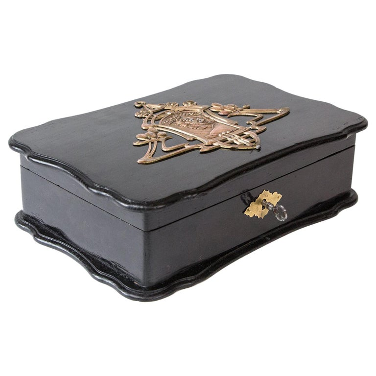 1900th Art Nouveau Jewelry Box with Application For Sale