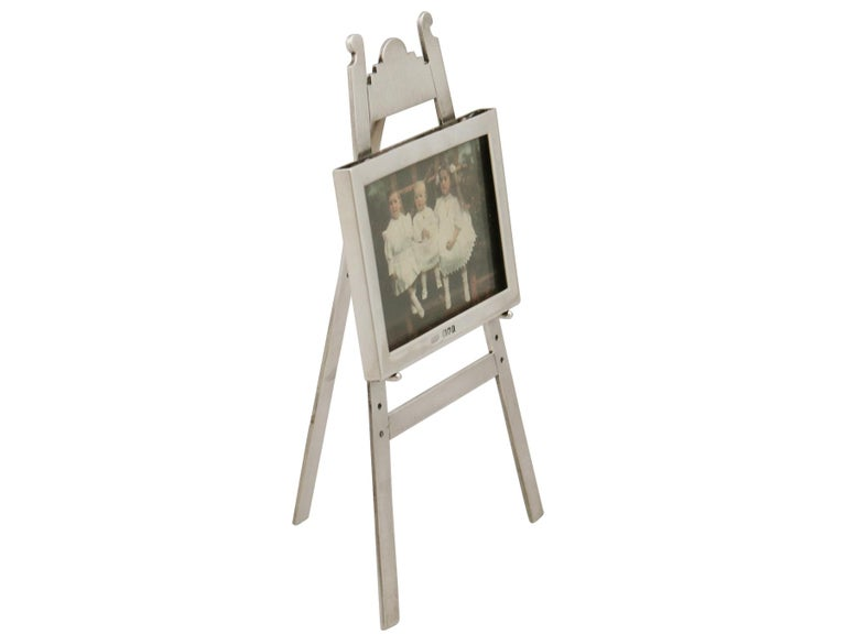 1903 Antique Edwardian Sterling Silver Photograph Frame In Excellent Condition For Sale In Jesmond, Newcastle Upon Tyne
