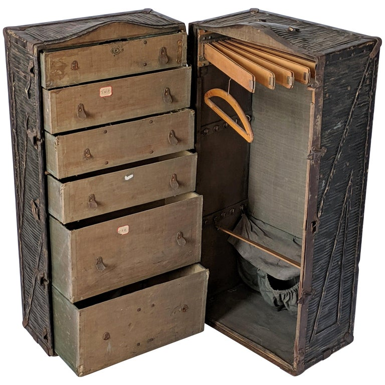 """1903 Steamer Trunk from """"Innovation"""" New York, USA For Sale"""