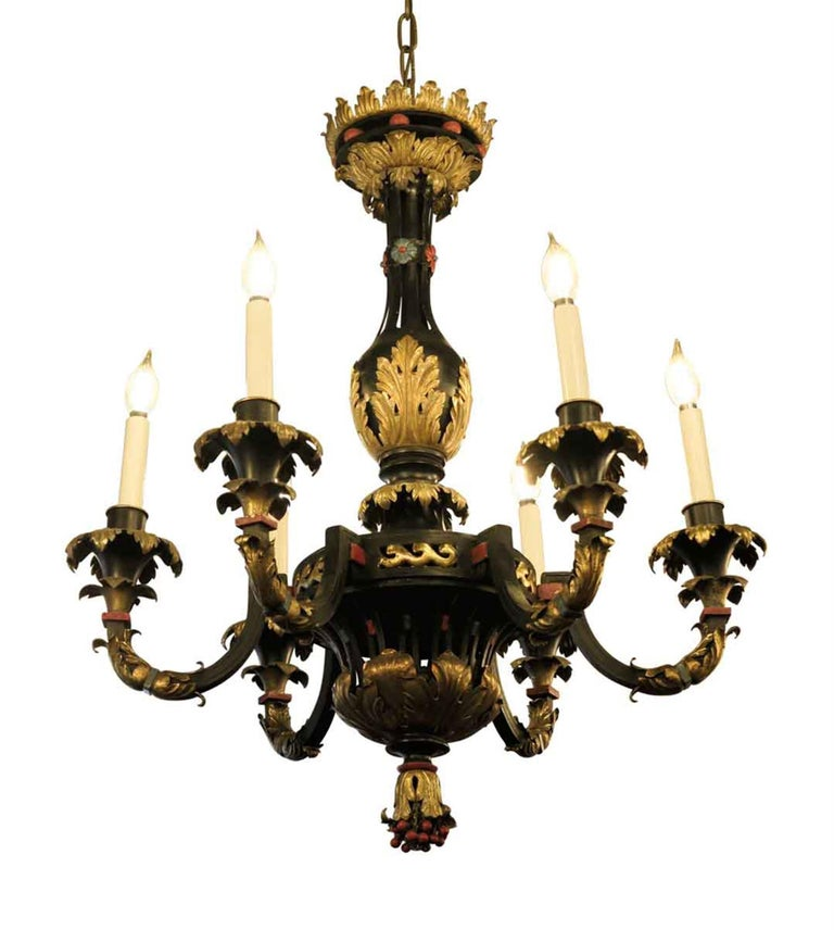 French Hand Painted Bronze and Gilt Metal Chandelier with Berries and Floral In Good Condition For Sale In New York, NY