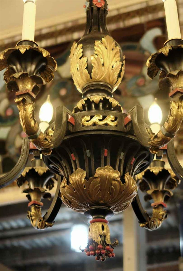 French Hand Painted Bronze and Gilt Metal Chandelier with Berries and Floral For Sale 3