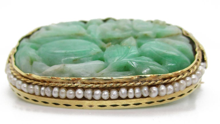 Women's or Men's 1910 Arts & Crafts 14 Karat Yellow Gold Carved Jade and Seed Pearl Brooch For Sale