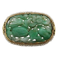 1910 Arts & Crafts 14 Karat Yellow Gold Carved Jade and Seed Pearl Brooch
