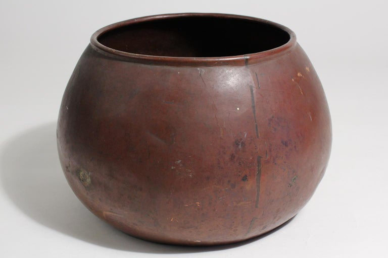 1910 Dirk Van Erp & D'arcy Gaw Hand-Hammered Copper Warty Jardiniere Vase Pot In Good Condition For Sale In San Diego, CA