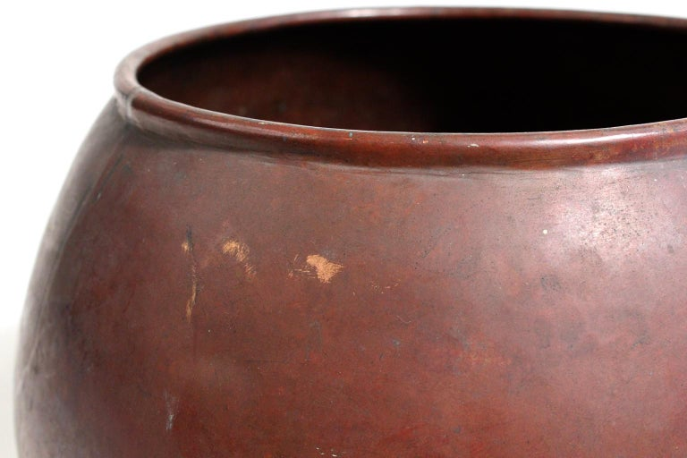 1910 Dirk Van Erp & D'arcy Gaw Hand-Hammered Copper Warty Jardiniere Vase Pot For Sale 3