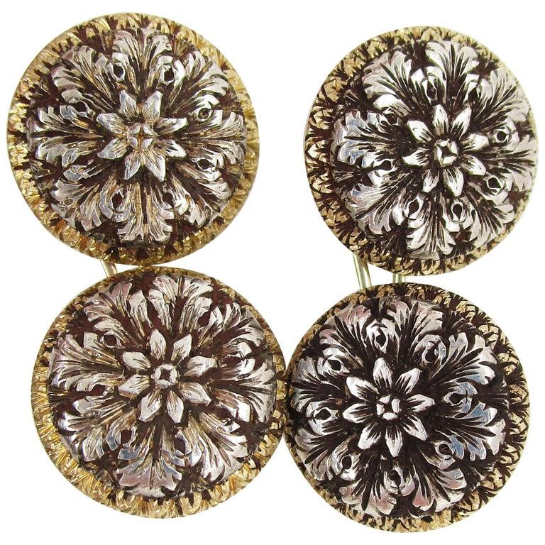 1910 Edwardian Hand Engraved 18 Karat Two-Tone Flower Cufflinks For Sale