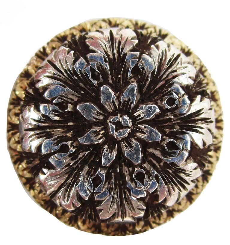 Women's or Men's 1910 Edwardian Hand Engraved 18 Karat Two-Tone Flower Cufflinks For Sale