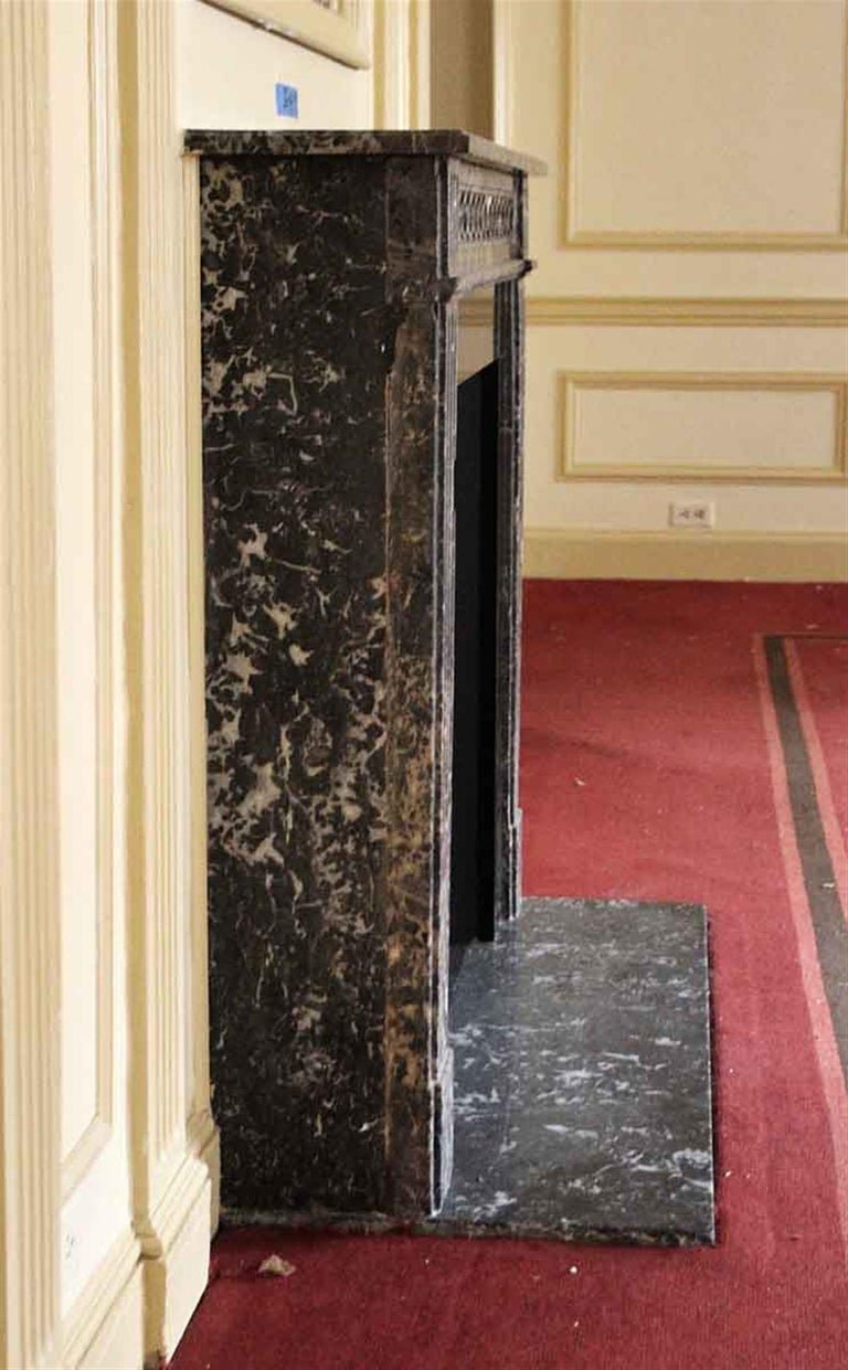 Early 20th Century 1910 NYC Waldorf Astoria Hotel French Regency Louis XVI Marble Mantel For Sale