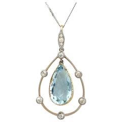 1910s Antique 4.55 Carat Aquamarine and Diamond Yellow Gold Pendant