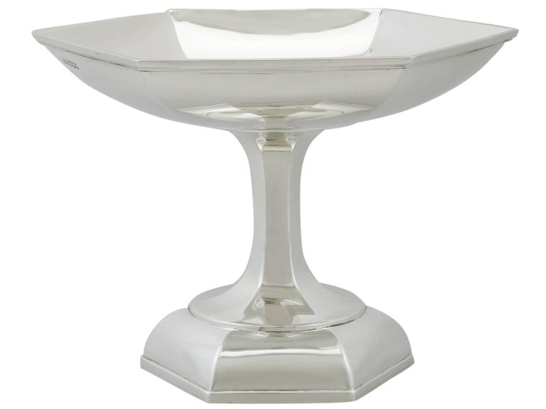 English 1910s Antique Art Deco Style Sterling Silver Tazza by Walker & Hall For Sale