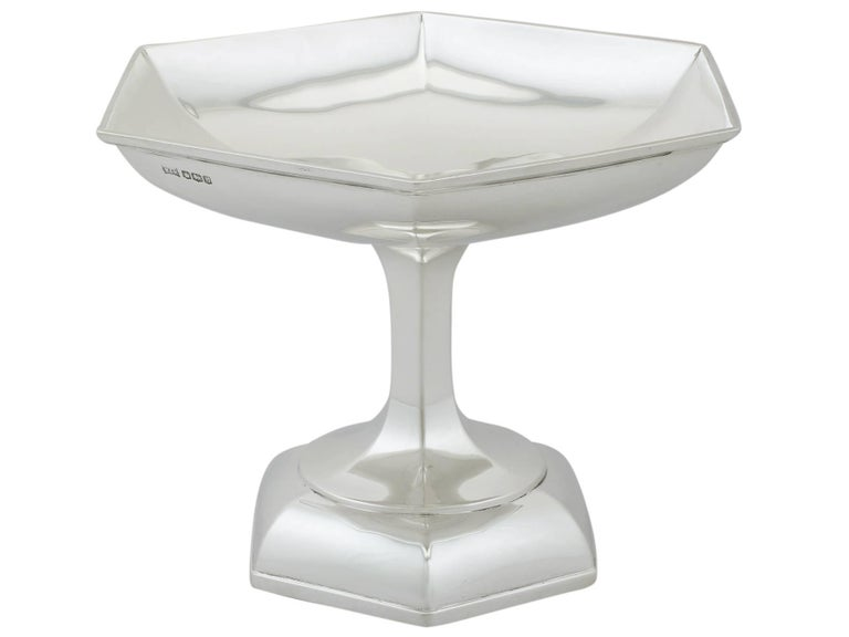 Early 20th Century 1910s Antique Art Deco Style Sterling Silver Tazza by Walker & Hall For Sale