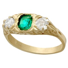 1910s Antique Emerald Diamond Yellow Gold Cocktail Ring