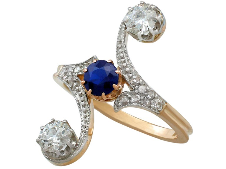 1910s Antique Sapphire and 1.21 Carat Diamond Yellow Gold Twist Ring In Excellent Condition For Sale In Jesmond, Newcastle Upon Tyne