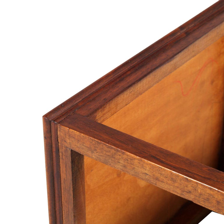 1910s Art Nouveau Side Table Coffee Table in Walnut Restored and Wax-Polished For Sale 1