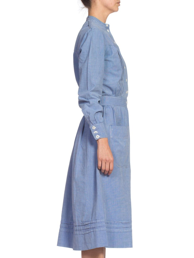 1910's Cotton War Nurse Dress In Good Condition For Sale In New York, NY
