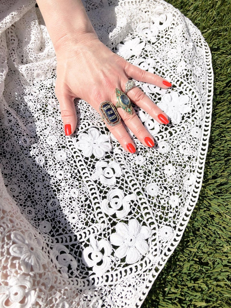 1910's Edwardian Antique Couture White Irish-Crochet Lace Handmade Tea Gown In Good Condition For Sale In Beverly Hills, CA