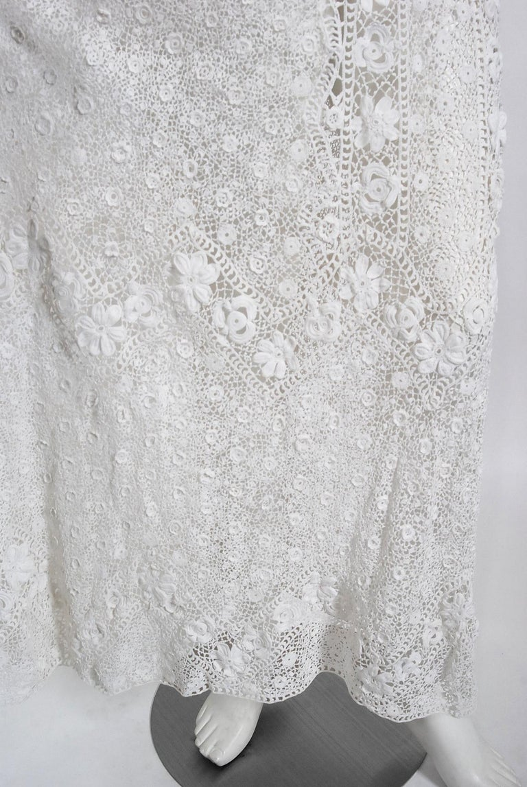 1910's Edwardian Antique Couture White Irish-Crochet Lace Handmade Tea Gown For Sale 7