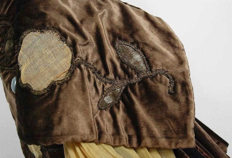 Women's or Men's Antique 1910's Edwardian Brown Velvet & Gold Lamé Wide Cuff Theatrical Jacket  For Sale