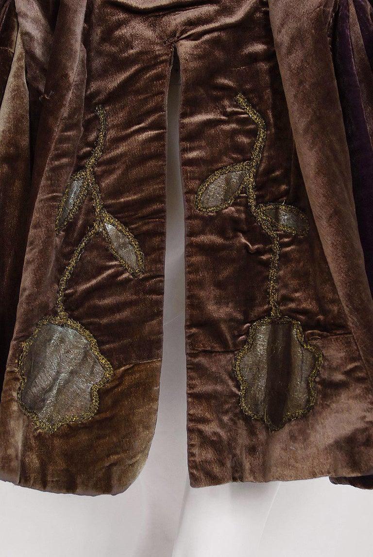 Antique 1910's Edwardian Brown Velvet & Gold Lamé Wide Cuff Theatrical Jacket  For Sale 3