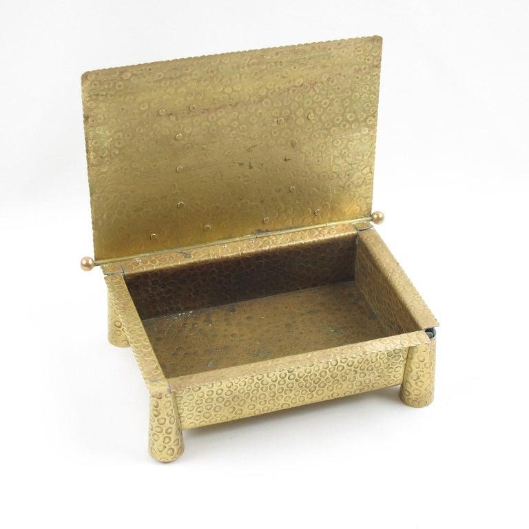 Jugendstil Arts & Crafts Hammered Brass Box In Excellent Condition For Sale In Atlanta, GA