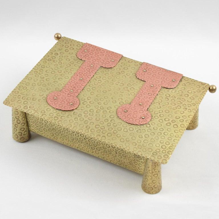 Jugendstil Arts & Crafts Hammered Brass Box For Sale 2