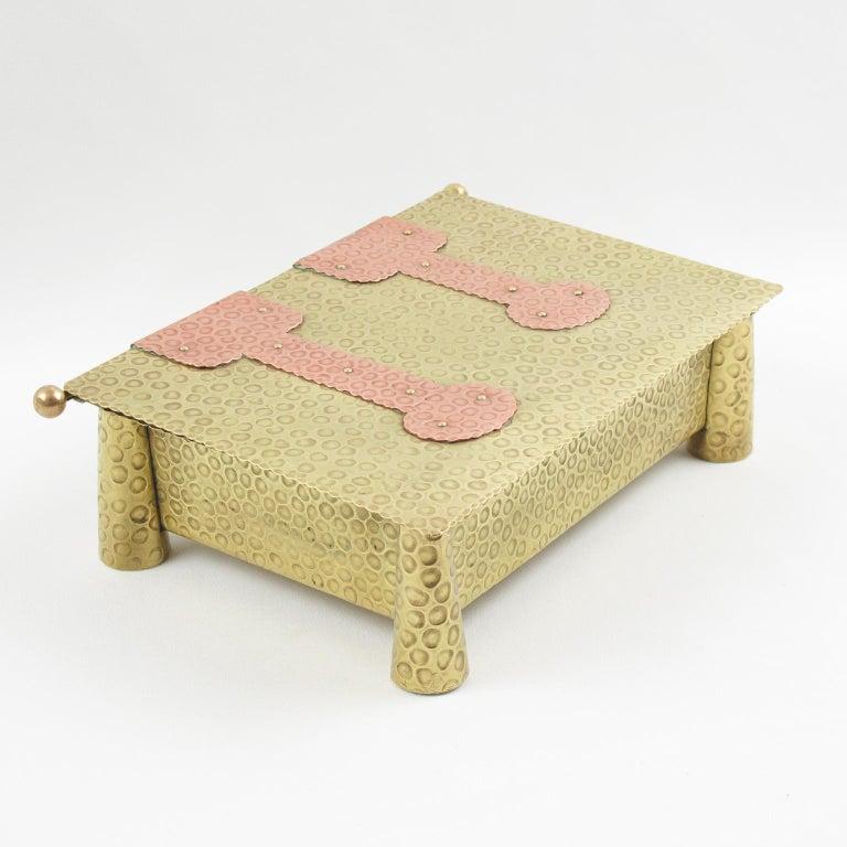 Jugendstil Arts & Crafts Hammered Brass Box For Sale 4
