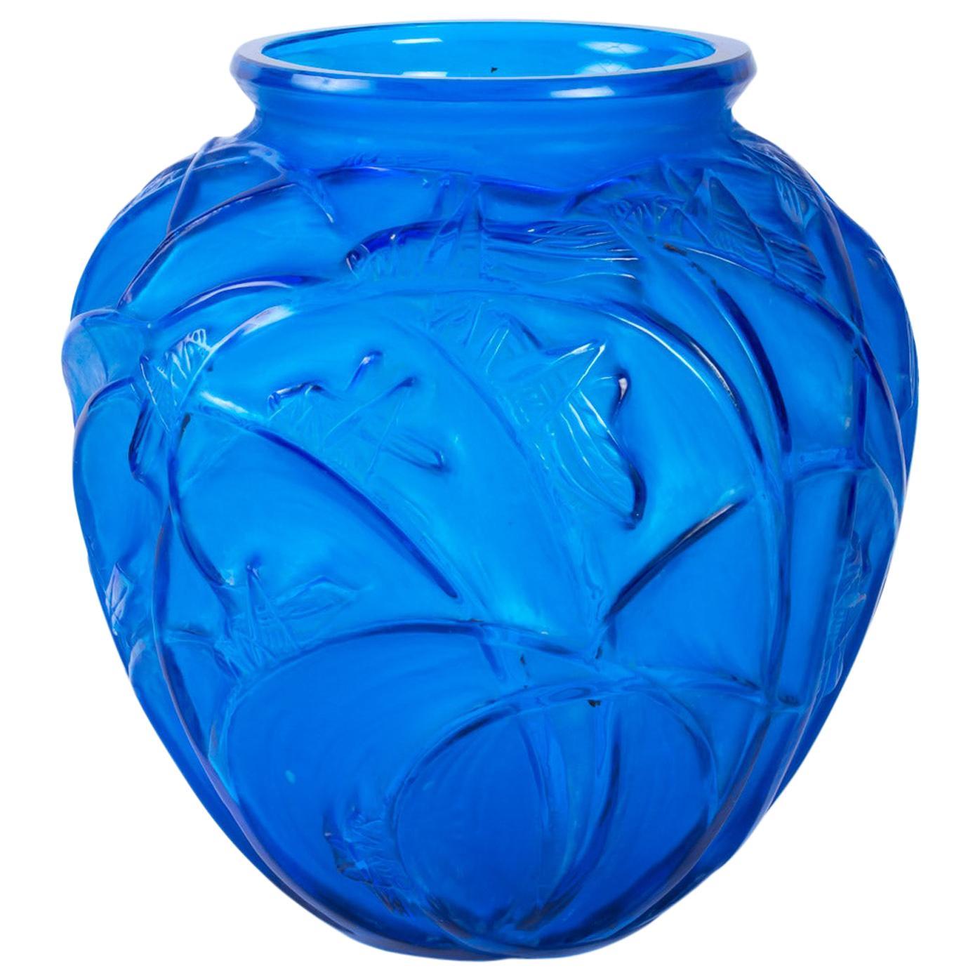 1912 René Lalique Sauterelles Electric Blue Vase Grasshoppers