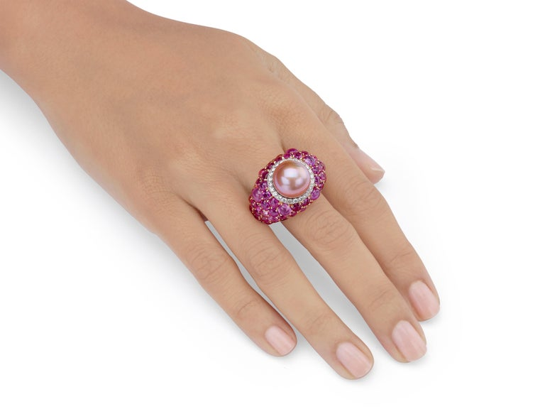 18.31 Carat Pink Pearl Pink Sapphire Ruby Diamond 18K Rose Gold Cocktail Ring In New Condition For Sale In Hong Kong, Kowloon