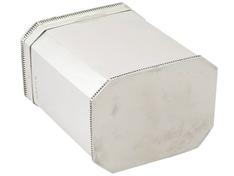 1917 Antique English Sterling Silver Box For Sale 3