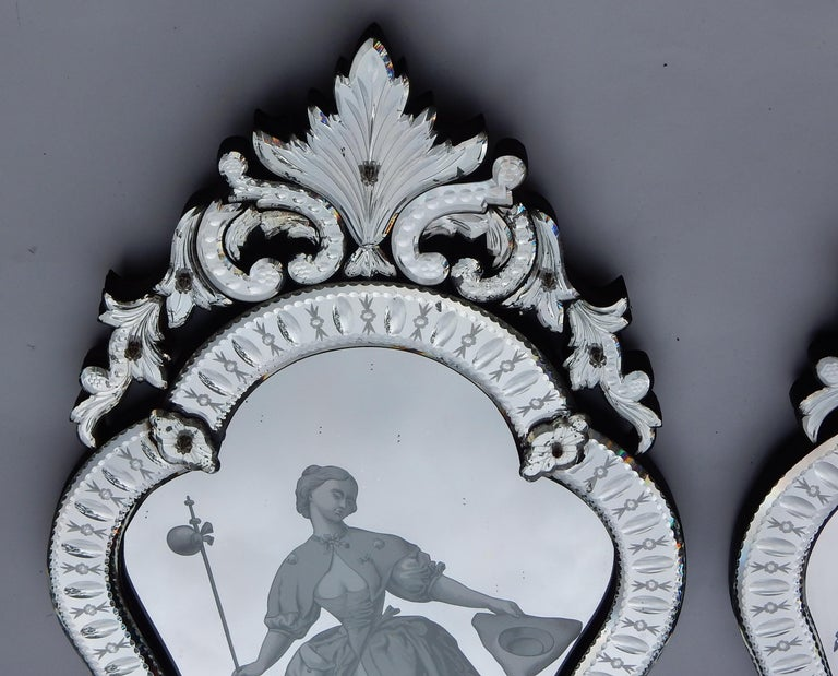 Neoclassical 1920-1940 Pair of Mirrors with Elegant Women For Sale