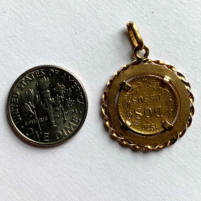 1920 Dos Pesos 'Two Peso' Mexican Yellow Gold Coin Charm Pendant For Sale 1