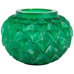 1920 Original René Lalique Languedoc Vase in Emerald Green Glass, Leaves