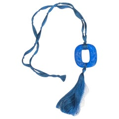 1920 René Lalique Bleu Electrique Grenouilles Pendant, Electric Blue Frogs