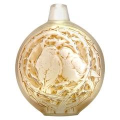 1920 René Lalique Deux Moineaux Bavardant Vase Glass with Sepia Stain, Sparrows