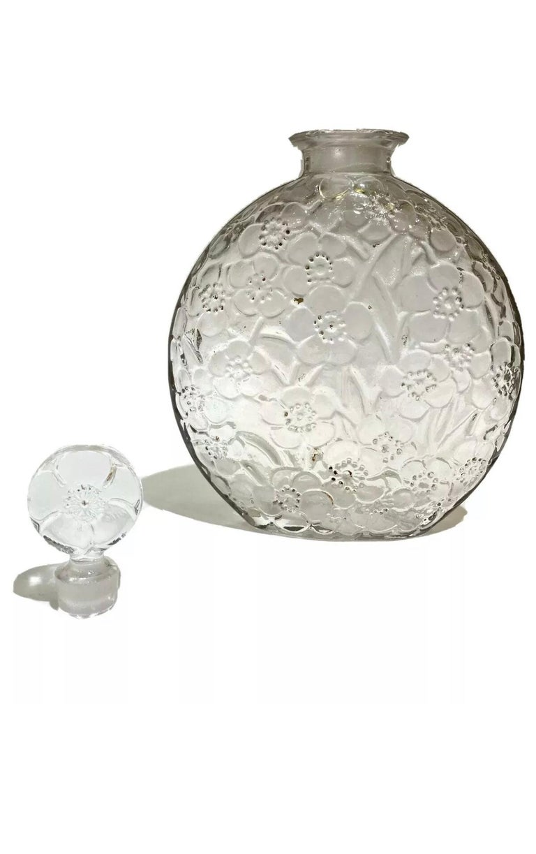 1920 René Lalique Le Lys for D'Orsay Set Perfume Bottle and Box Clear Glass For Sale 1