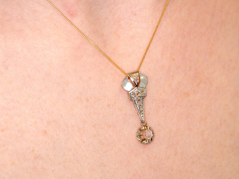 1920s Antique Diamond and Yellow Gold Pendant For Sale 4