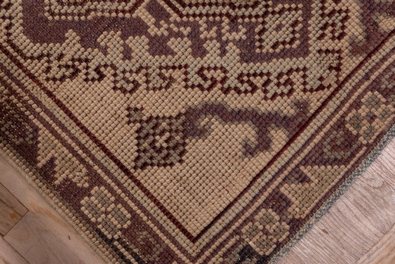 1920s Antique Long Oushak Runner In Good Condition For Sale In New York, NY
