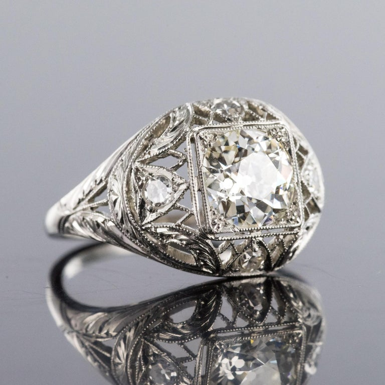 1920s Art Deco Diamonds Platinum Dome Ring In Excellent Condition For Sale In Poitiers, FR