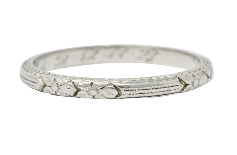 1920s Art Deco Platinum Flower and Wheat Band Ring In Excellent Condition For Sale In Philadelphia, PA