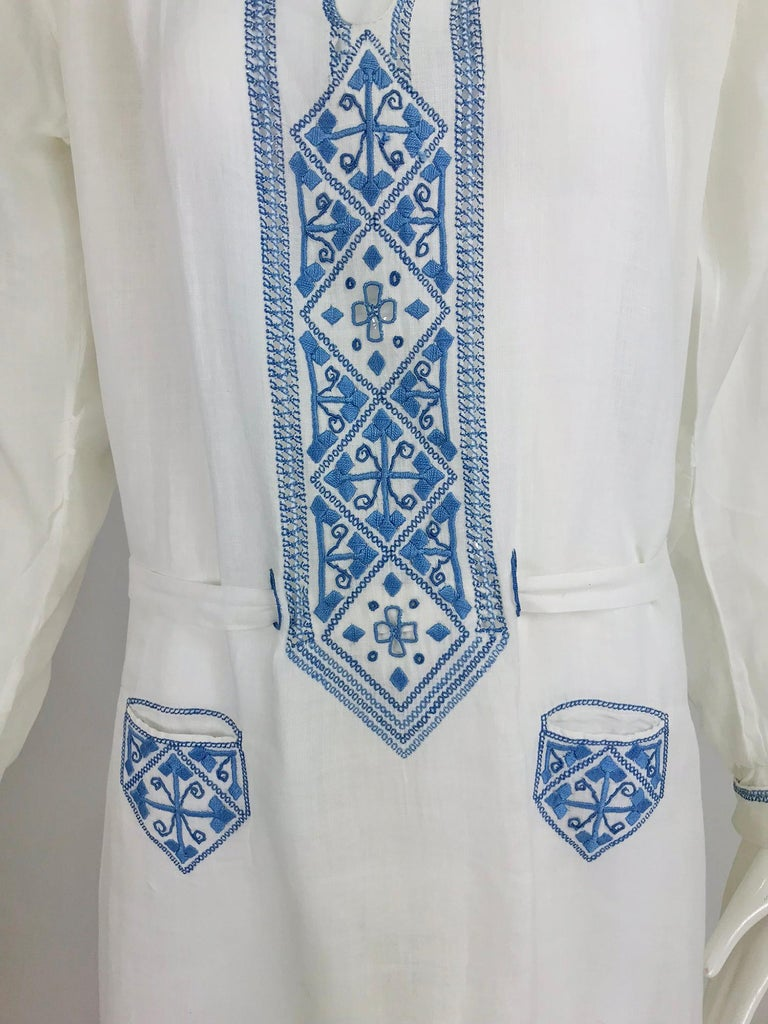 1920s Arts and Crafts Hand Embroidered Blue and White Linen Day Dress For Sale 7